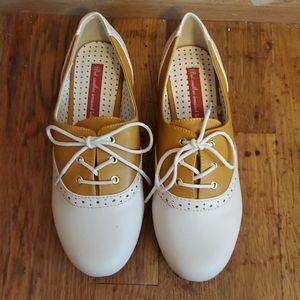B.A I.T. sadle shoes size 7
